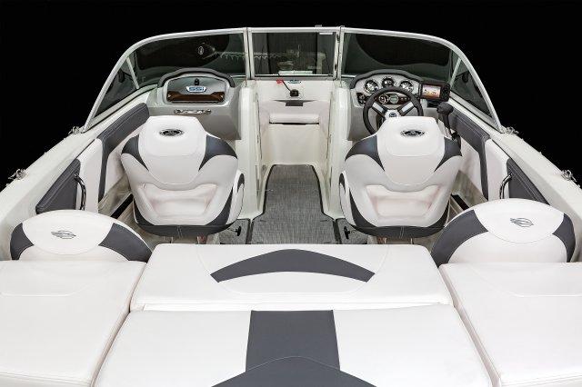 19 SSi Ski & Fish - Cockpit