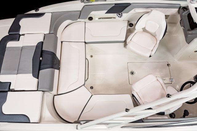 23 SSi - Cockpit Seating