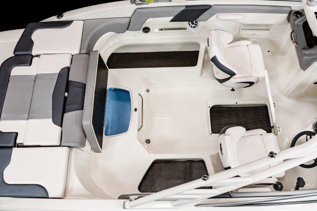 23 SSi - Cockpit Storage