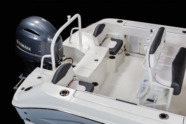 R200 - Aft Seating