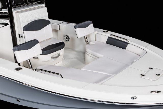 226 Cayman - Bow Seating