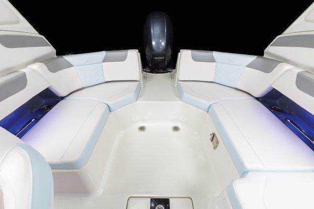 230 Suncoast - Cockpit Seating