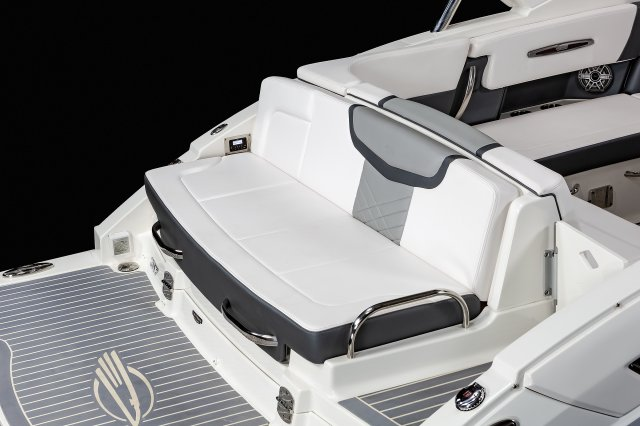 317 SSX - Transom Seat