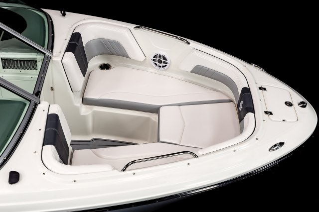 21 Surf - Bow Seating