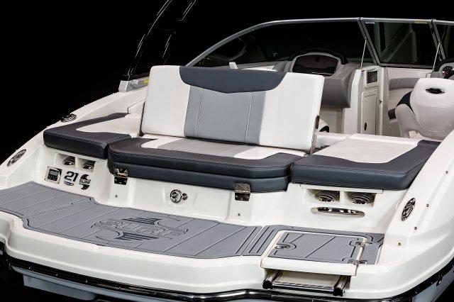 21 Surf - Transom Seat