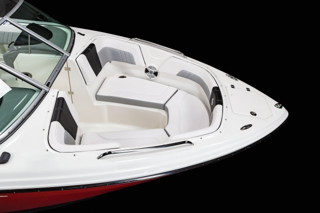 23 SURF - Bow Seating