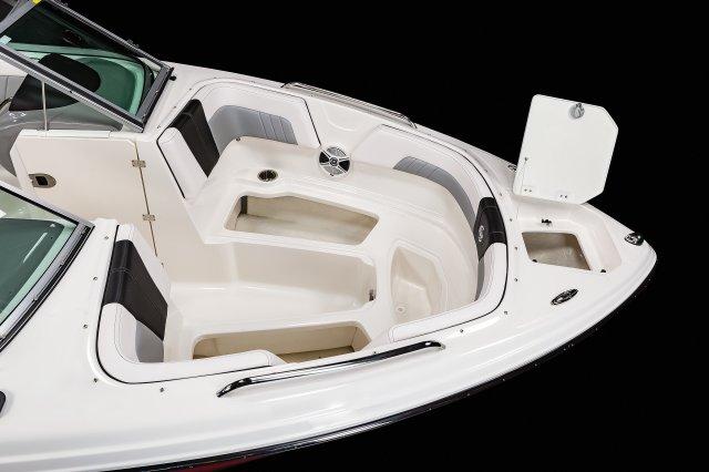 23 SURF - Bow Storage