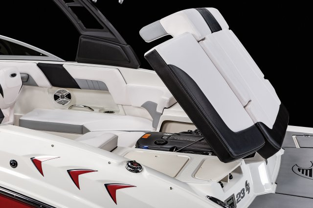 23 SURF - Engine Hatch