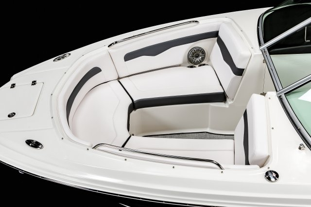 24 Surf - Bow Seating