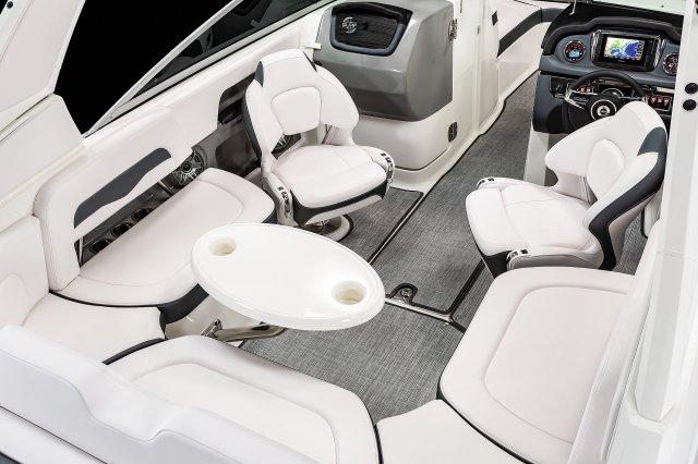 24 Surf - Cockpit Seating