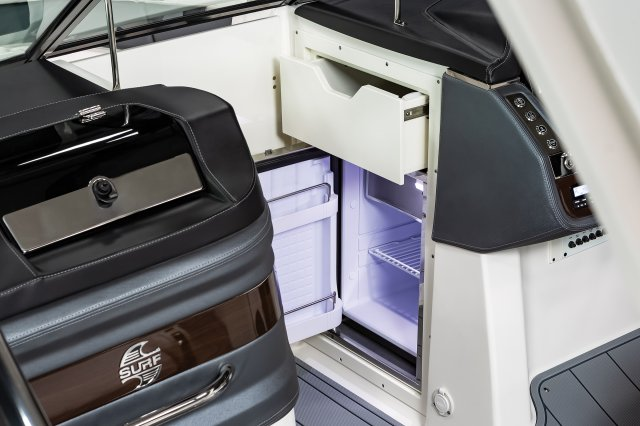 30 Surf - Refrigerator