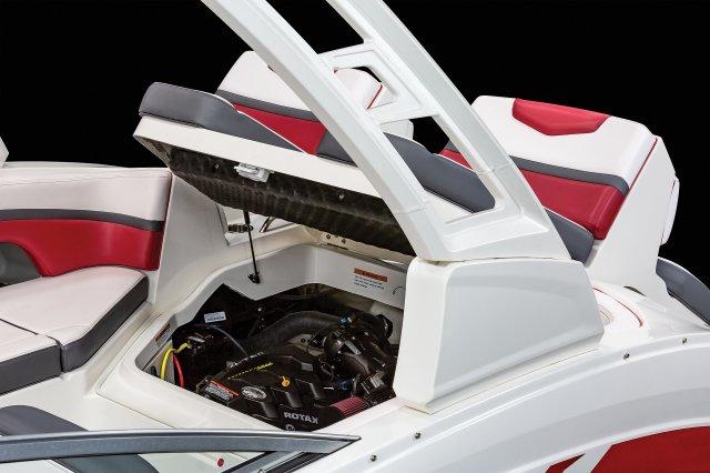 223 VR - Engine Hatch