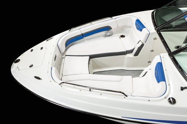 2430 Vortex VRX - Bow Seating