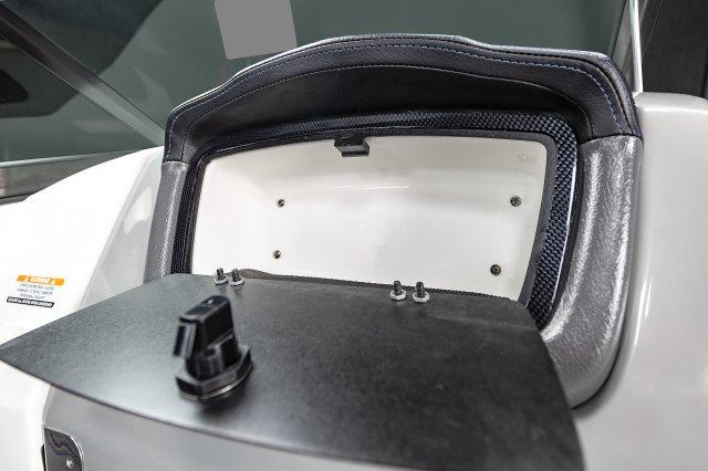 2430 Vortex VRX - Glove Box