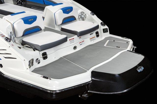 2430 Vortex VRX - Swim Platform