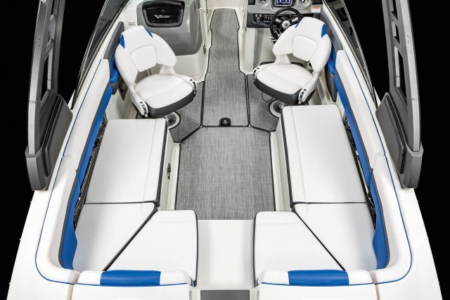 2430 VRX - Cockpit Seating