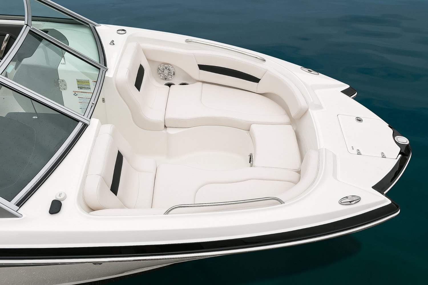 Image of a Solid Blue Hull 2018 244 Sunesta  Bow Seating