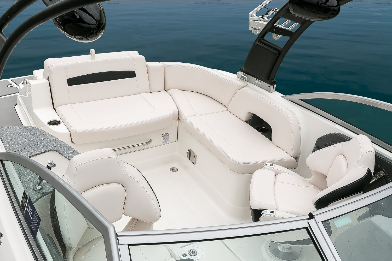 Image of a Solid Blue Hull 2018 244 Sunesta  Cockpit Seating