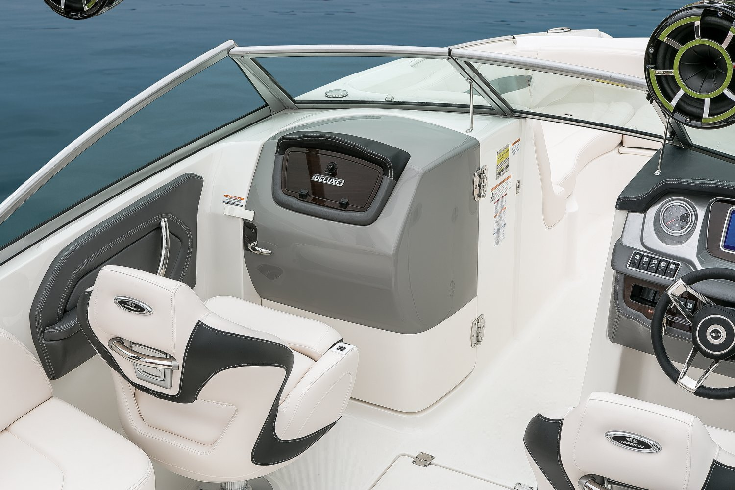 Image of a Solid Blue Hull 2018 244 Sunesta  Port Console
