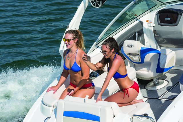 244 Sunesta Surf Edition - Lifestyle