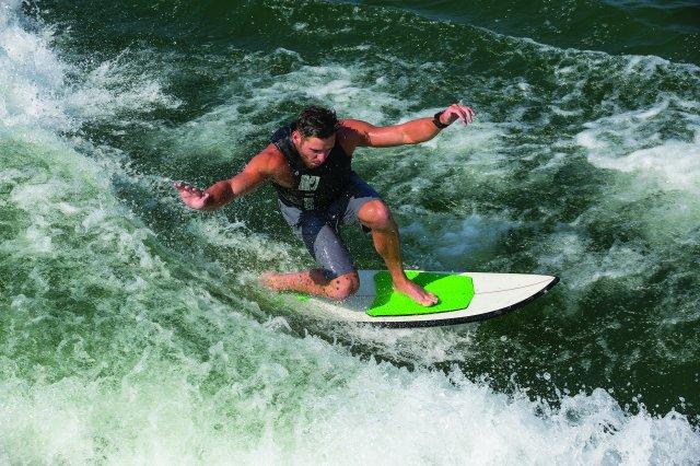 244 Sunesta Surf Edition - Surfing