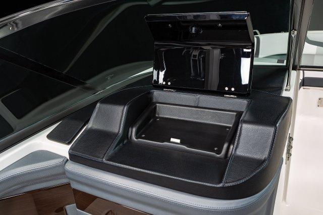 307 SSX - Glove Box